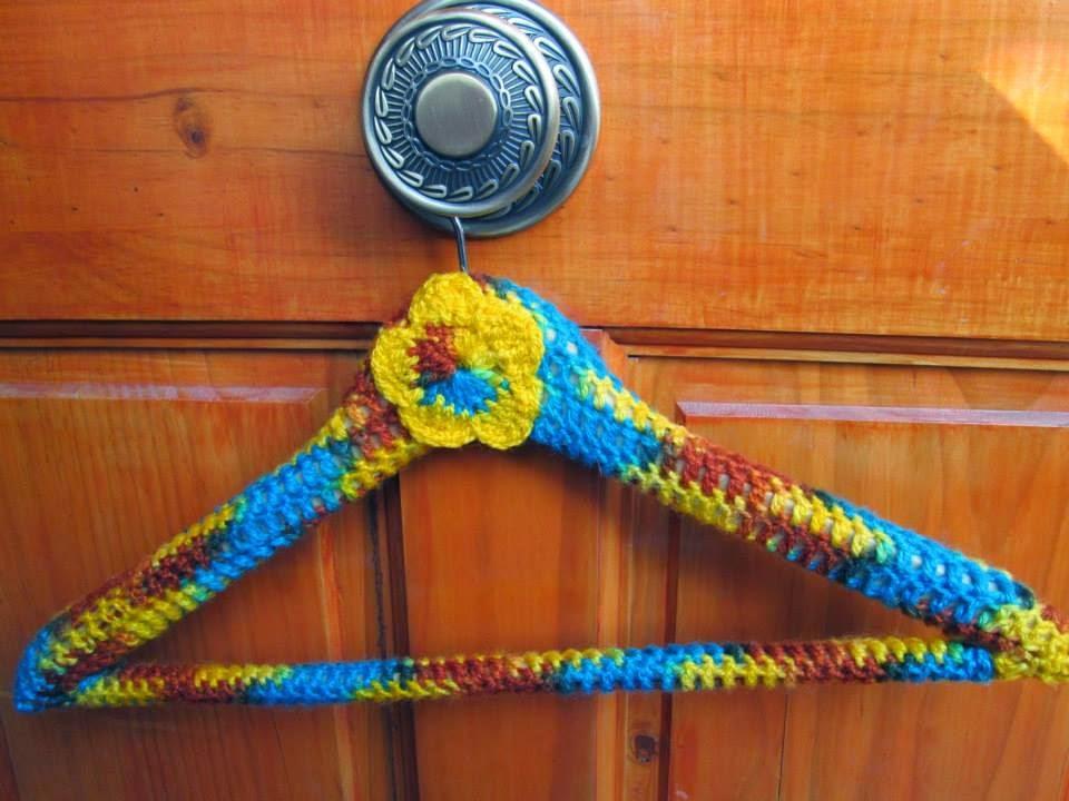 http://miterapiaeltejido.blogspot.com.es/2014/03/reto-handmade-2-el-tema-es-customizar.html