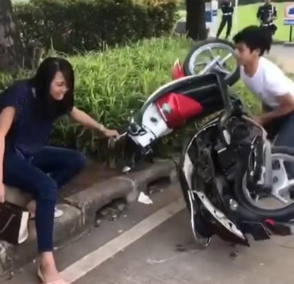 Honda Scoopy sanga kekasih dirusak karena di tilang