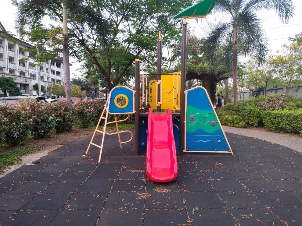 vivo Y31 Camera Sample - Afternoon, Playground