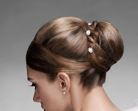 Simple Hairstyles For the Wedding