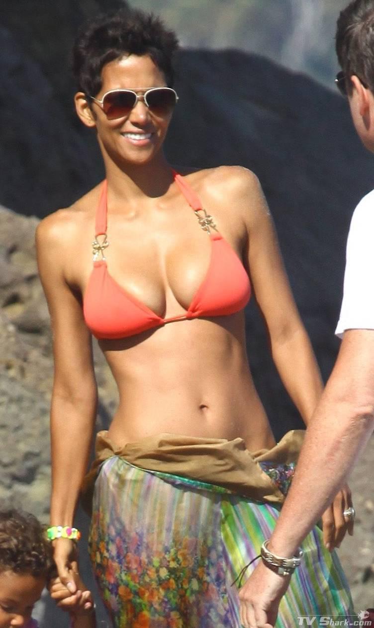 Halle Berry Halle Berry Bikini