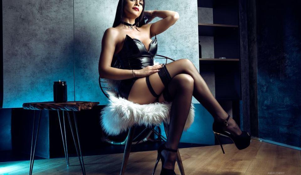 AngelinaSher Model GlamourCams