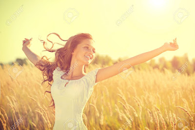 Happy Girls Are The Prettiest: Learn How To Be Happy With Yourself