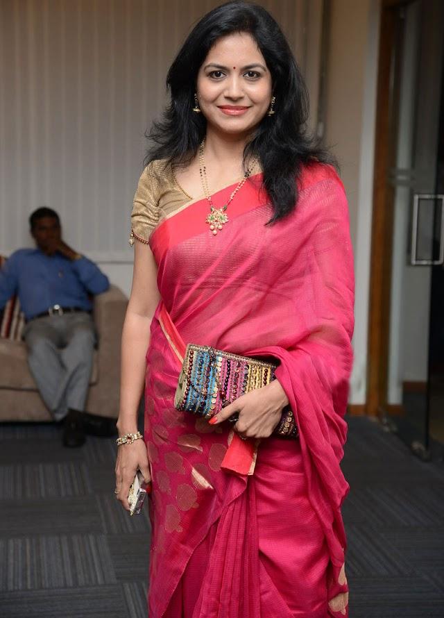Singer Sunitha Hot Photos In Red Saree