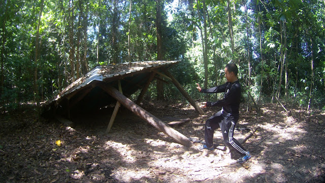 Hiking on Peak 300, Teluk Batik