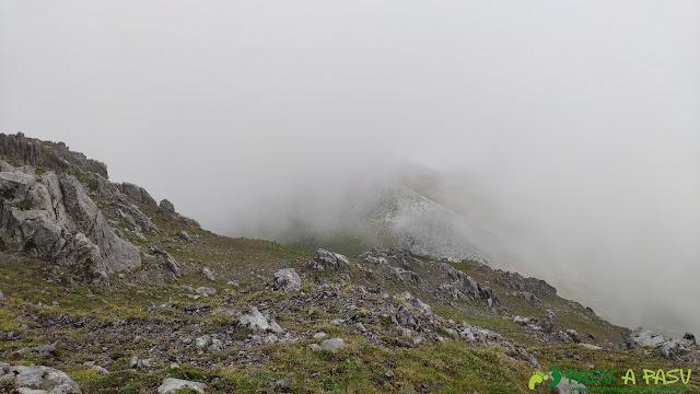 Tramo superior bajando a la Vega de Valseco desde el Tapinón