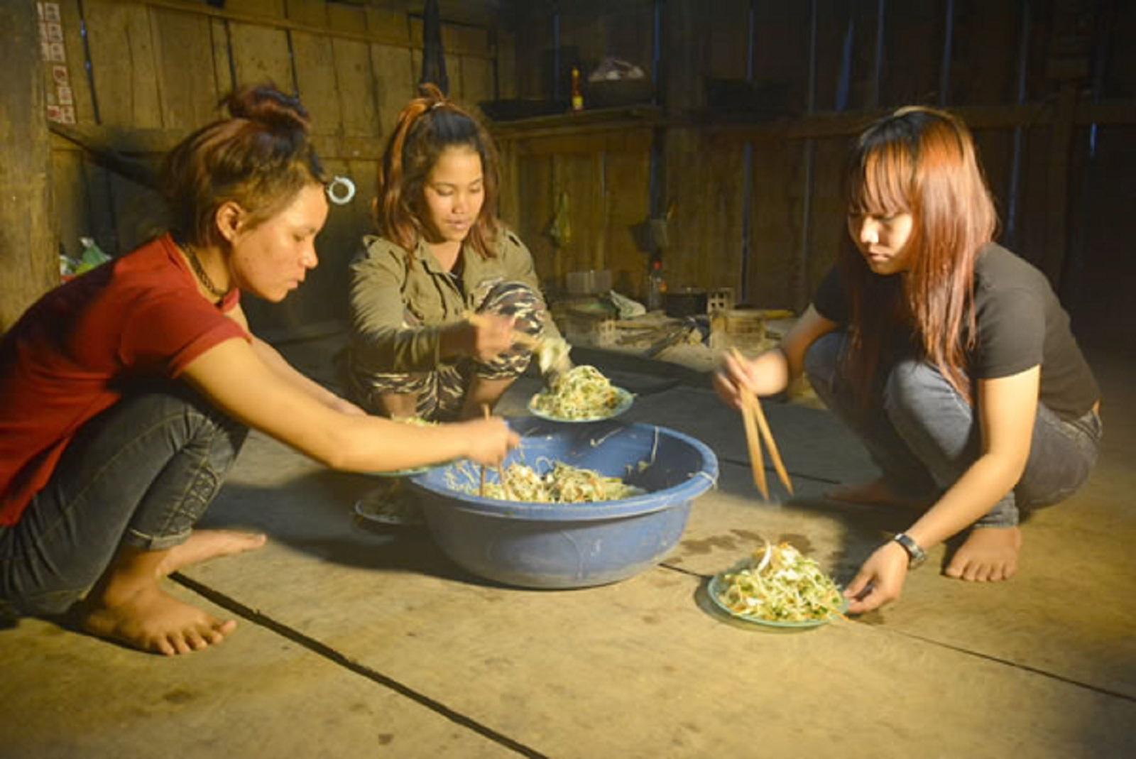 """Gia Lai: Điều tra vụ """"Lừa 4 thiếu nữ ra nước ngoài trái phép"""""""