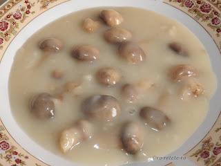 Reteta ciulama de ciuperci de post traditionala de casa taraneasca dobrogeana retete culinare mancaruri rapide cu faina si supa de legume,