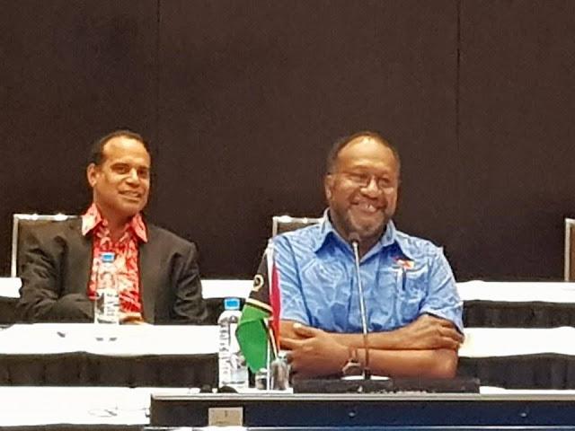 Ralph Regenvanu dan Charlot Salwai Pimpin Oposisi Vanuatu