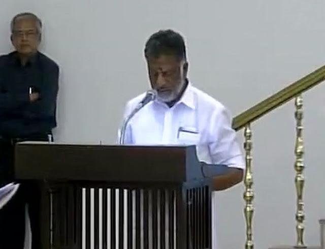 06panner01 O Panneerselvam sworn in as Tamil Nadu CM