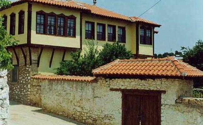 avdera-xanthis
