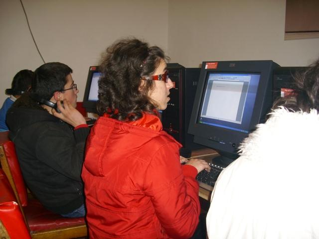 Kursi i kompjuterit foto 2