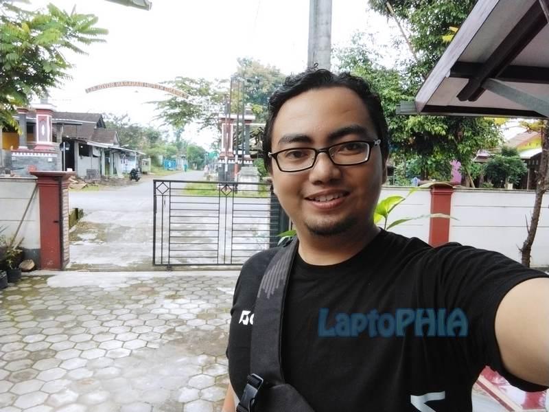 Hasil Foto Kamera Depan Poco M3