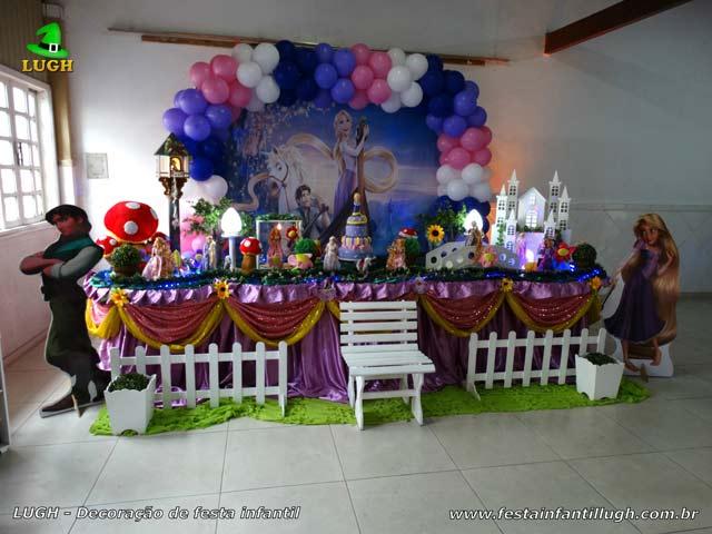 Decoração luxo para aniversário tema Os Enrolados forrada com tecido pano - Recreio - RJ