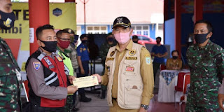 """Walikota Jambi Serahkan Insentif bagi """"Pahlawan Kemanusiaan"""" Seluruh Garda Gugus Tugas Covid -19 Kota Jambi"""