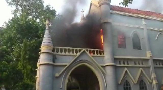 JABALPUR NEWS : जबलपुर हाईकोर्ट में लगी भीषण आग, फर्नीचर जलकर खाक