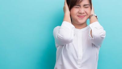 4 Tanda Bahwa Anda Pesimis Dan Perlu Mengalihkan Pandangan Dari Semua Hal Negatif Itu