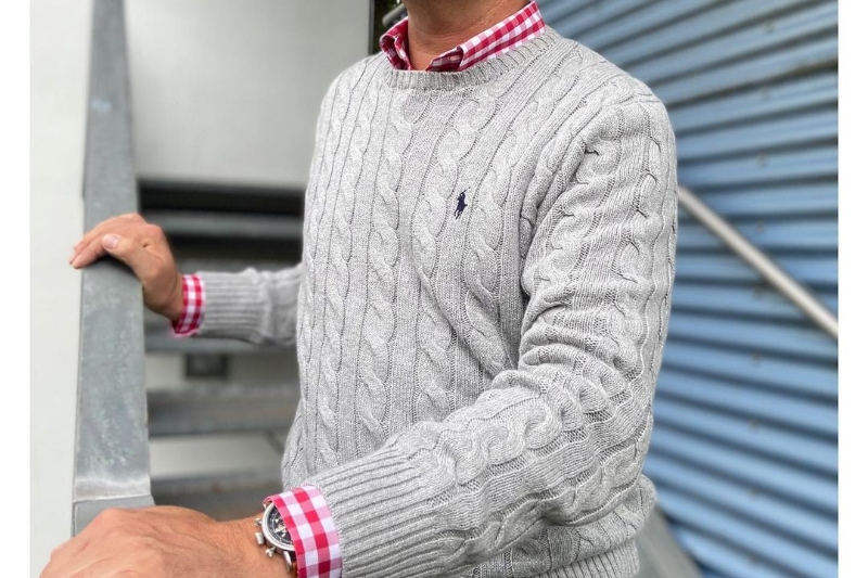 Sweaters for preppy style men.