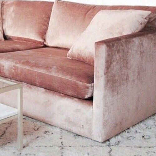 pale pink velvet sofà | Happy Weekend 34 images of inspiration in rose gold {Cool Chic Style Fashion}