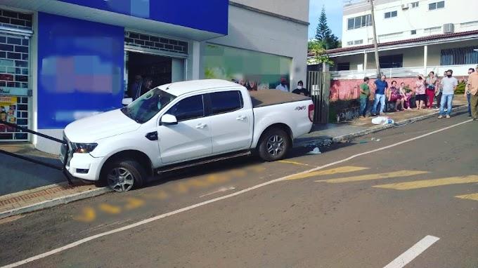 São João: Mulher morre após ser atropelada e arrastada por camionete