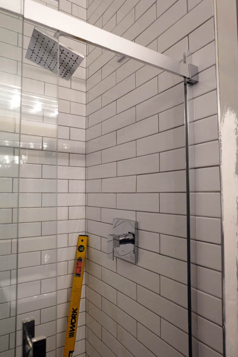 shower door instalation complete