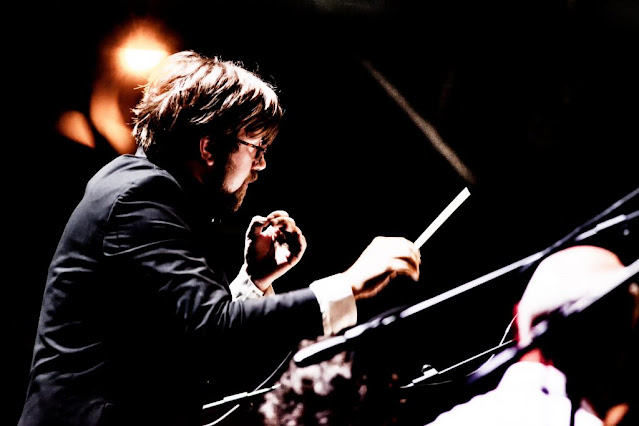 George Jackson and the Orchestra of Teatro Carlo Felice Genova