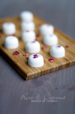rose_and_coconut_sweet_jelly_bites