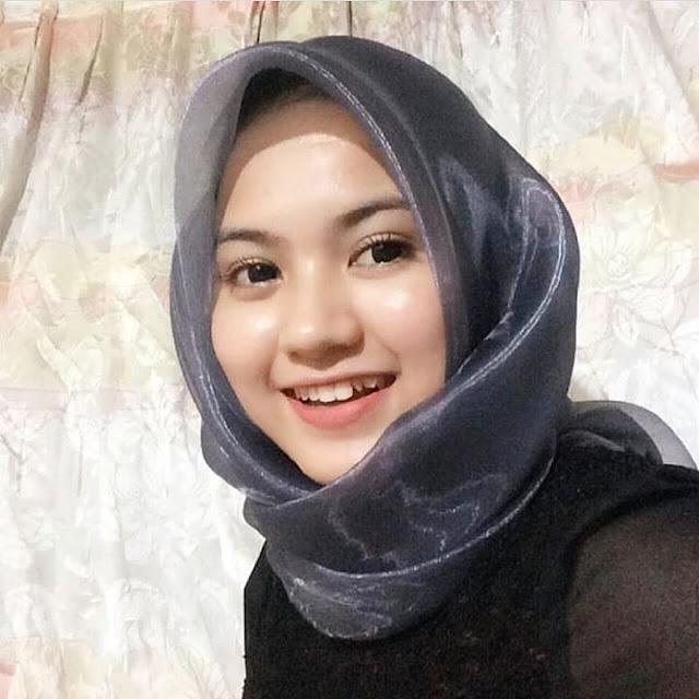 Hijaber Manis Dari Semarang