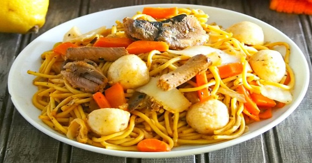 Filipino Pancit Canton With Sardines Recipe