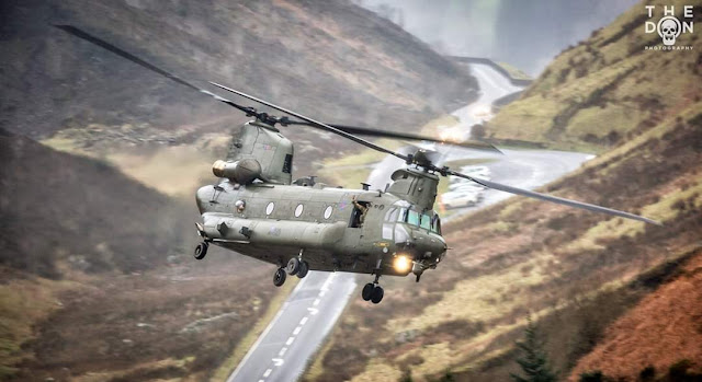 Armée Britannique/British Armed Forces - Page 17 EJ0ast0X0AIRVLi