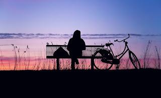 Penyebab dan Konsekuensi Kesehatan dari Merasa Kesepian