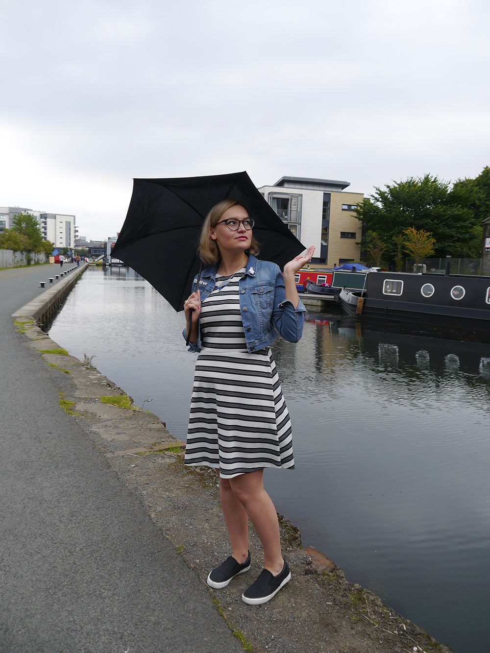 Edinburgh Fringe Festival, Edinburgh canal walk, Edinburgh blogger, beginner guide to self tan, easy self tan review, Bellamianta luxury tanning, UK blogger, fashion blogger, Wardrobe Conversations, photoshoot in Edinburgh, Edinburgh fashion