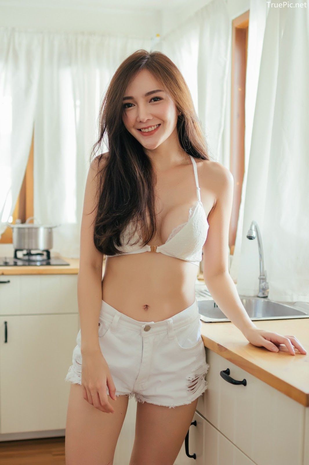 Thailand sexy model Rossarin Klinhom with photo album By your side - Picture 1