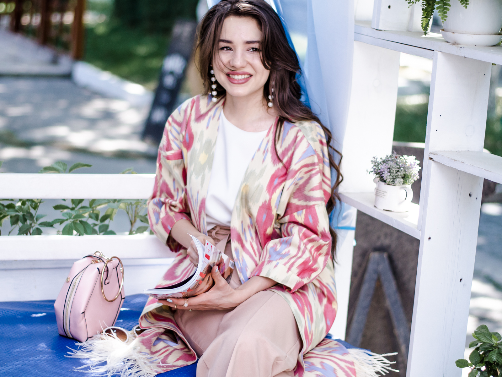 fashion blogger diyorasnotes diyora beta uzbek print national print chapan pink pants casual chic