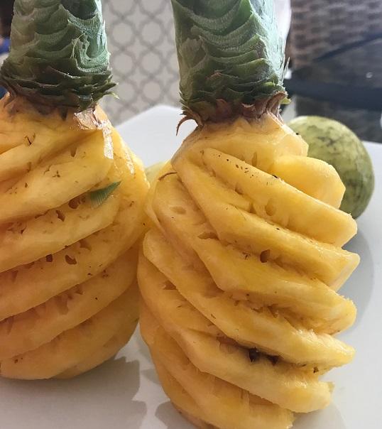 Street food, Mauritius, pineapples