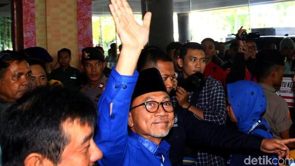 Asman Abnur Menepi, Zulkifli Hasan Jadi Ketum PAN Lagi
