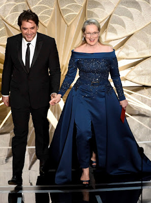 http://indianexpress.com/article/lifestyle/fashion/oscars-2017-meryl-streep-slams-designer-karl-lagerfield-in-oscar-dress-row-4546296/