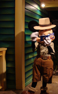 Safari Mickey Mouse Disney's Animal Kingdom