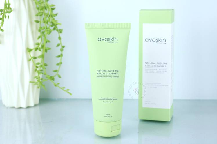 Review Avoskin Natural Sublime Facial Cleanser