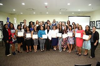 Para fortalecer a las familias, Despacho Primera Dama capacita a profesionales de la conducta