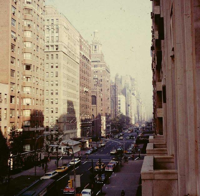 Fifth Avenue at 8th Street, NYC, randommusings.filminspector.com