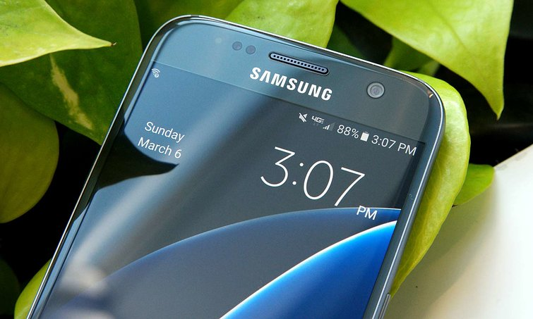 Galaxy S8 is almost here, & all you know what that means. The deals are starting to roll in for Galaxy S7, which is still a great smartphone.