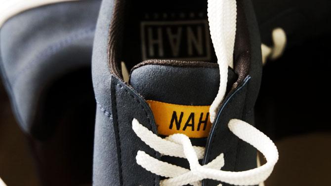Tampilan Sepatu Sneakers Nah Project