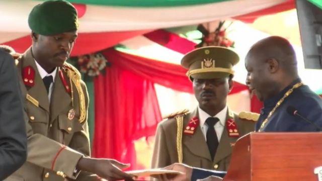 Kikwete na kijana wa rais wa Burundi Nkurunziza watunukiwa Tuzo ya Shujaa