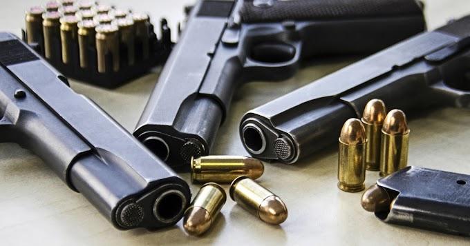 """Una pareja dominicana fabricaba """"armas fantasmas"""" en apartamento del Alto Manhattan y  le confiscan ocho pistolas"""
