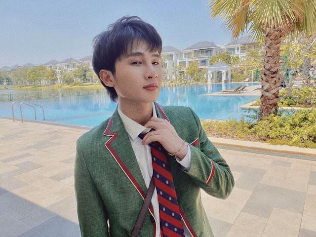 Jack điển trai trong đồng phục đi học: Ủa nhưng mà đang nghỉ mùa dịch, đi quay MV mới chăng?