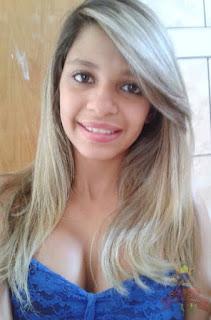 Lorinha safadinha teve fotos intimas vazadas no grupo do zap