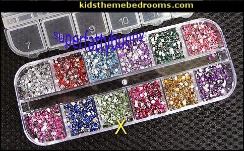rhinestones - diamantes - nail decoration - nail art