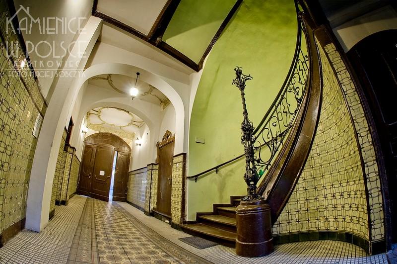Poznań: brama przejazdowa w kilmacie secesji