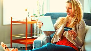 Femme en joie, Investir en ligne, investissement sur internet